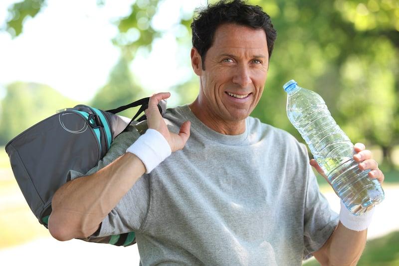 Hommes : comment éliminer la graisse du ventre à 50 ans?